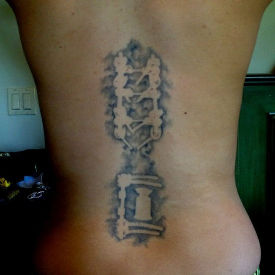 spine tatoo 2